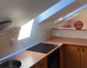 Apartament de 2 camere, semidecomandat, confort sporit, Centru