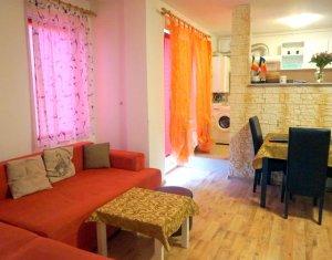 Vanzare apartament cu 3 camere, Sesul de Sus