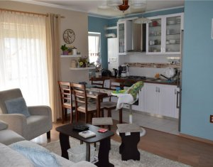Vanzare apartament cu 4 camere cu scara interioara, Floresti, Porii