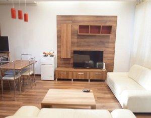 Apartament 2 camere, mobilat modern, garaj, Centru, zona Piata Avram Iancu