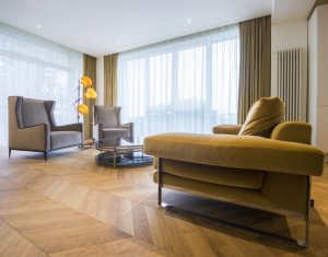 Apartament 2 camere, finisat Lux, zona exclusivista, panorama cu Centrul vechi