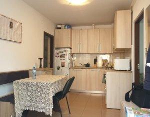 Vanzare casa cu 2 apartamente 114 mp, teren 400 mp, Parcul Feroviarilor