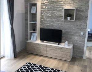 Vanzare apartament cu 3 camere, ultrafinisat in Floresti