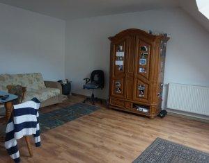 Inchiriere apartament cu o camera la mansarda, Floresti, strada Porii