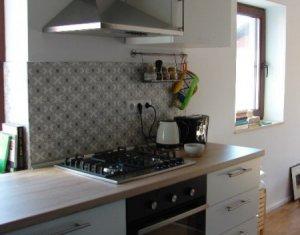 Apartament 2 camere, 48 mp, parcare, in Zorilor, pe strada Mircea Eliade