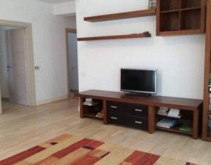 Apartament 3 camere, decomandat, 82 mp, cu gradina de 65 mp, garaj, in Europa
