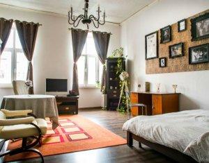 Apartament 2 camere, decomandat, ultracentral, zona Piata Unirii