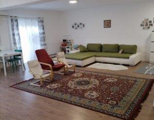 Vanzare apartament cu doua camere, suprafata generoasa,Floresti, zona Stejarului