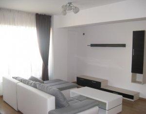 Inchiriez apartament de 3 camere, 80 mp, parcare subterana inclusa, semicentral