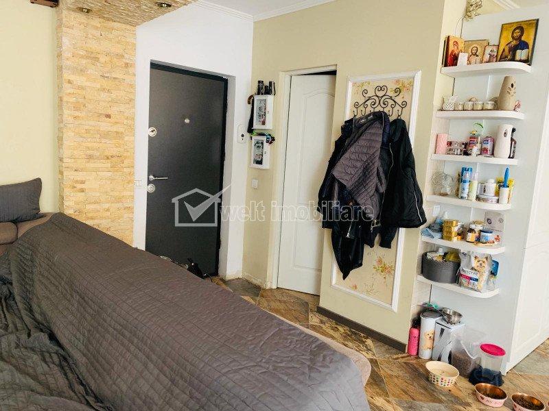 Vand apartament de 3 camere, etaj intermediar, parcare subterana, zona Borhanci