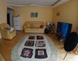 Apartament 3 camere, decomandat, imobil nou, zona Campului