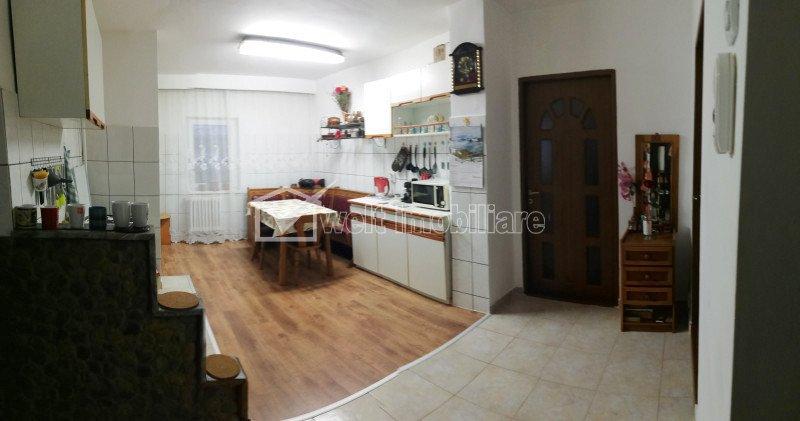 Apartament 3 camere, etaj intermediar, Floresti