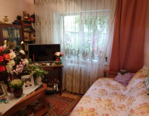 Apartament 3 camere 74 mp, decomandat, balcon, parter inalt, zona buna, Manastur
