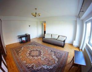 Apartament 3 camere, decomandat, 92 mp, 3 balcoane, garaj, zona Titulescu