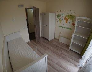 Apartament 4 camere decomandat de inchiriat