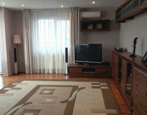 Apartament 4 camere decomandate super spatios