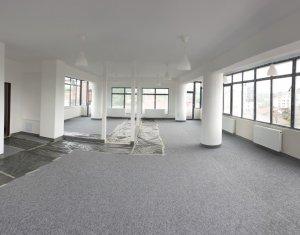 Spatiu comercial tip open-space, in cladire de birouri, zona Iris