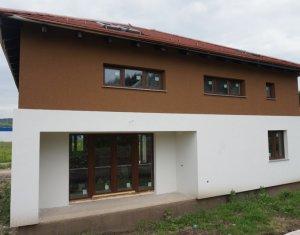 Vila spatioasa 230mp, 450mp teren, Zona parcul Colina