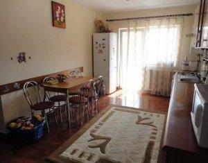 Vanzare apartament 3 camere, situat in Floresti, zona Eroilor