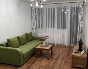 Dau in chirie apartament 2 camere ultrafinisat, centru, prima inchiriere