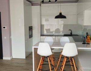 Apartament cu 3 camere, lux, 74 mp, terasa 85 mp, parcare subterana, Sopor