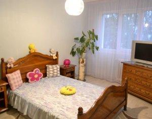 Vanzare apartament 3 camere decomandate, 67 mp, etaj 2, zona Complex Diana