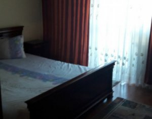Inchiriez apartament spatios cu 3 camere, decomandat, pe strada Dorobantilor