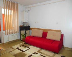 Vanzare apartament cu 3 camere, semidecomandat, Floresti, strada Sesul de Sus