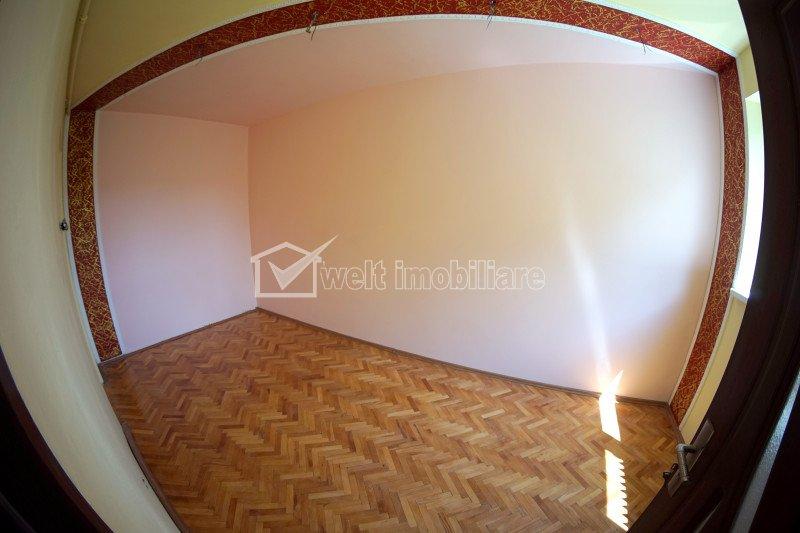 Vanzare 3 camere Gheorgheni, zona Mercur, etaj intermediar
