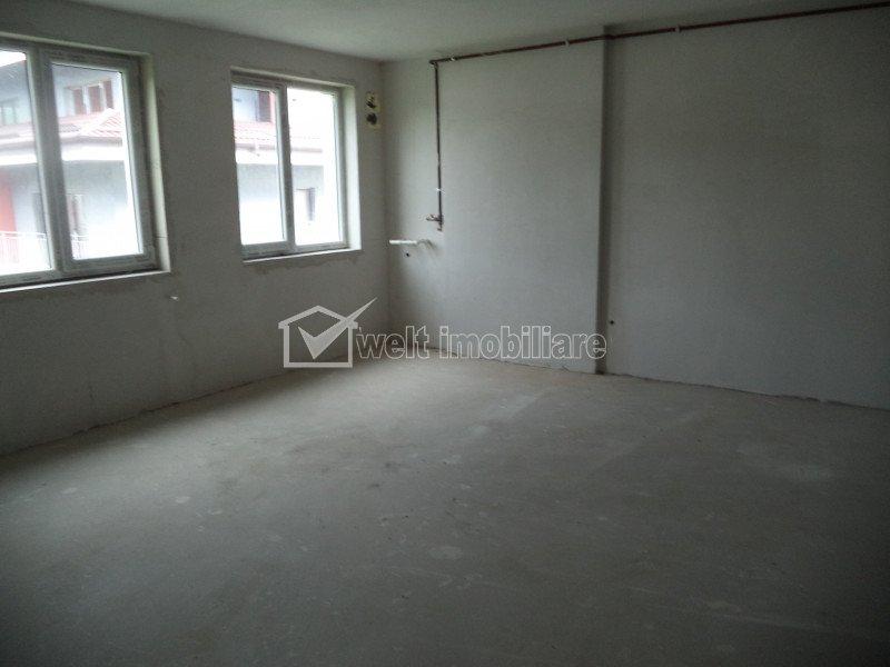 Vindem apartament 3 camere, 2 bai, zona Donath Park