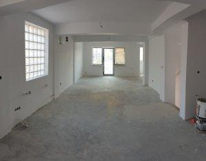 Spatiu birou pe 3 niveluri, 160 mp, recent renovat