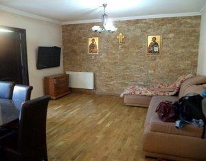 Vindem apartament 3 camere, cu gradina, zona ultracentrala, Floresti