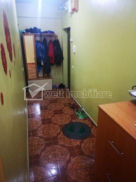 Apartament 3 camere decomandate, de vanzare, in zona FSEGA