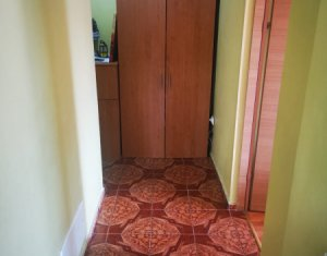 Apartament 3 camere decomandate de vanzare in zona FSEGA