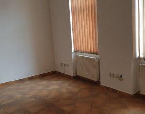 Spatiu birou tip casa, 108 mp, semicentral, P-ta Mihai Viteazul