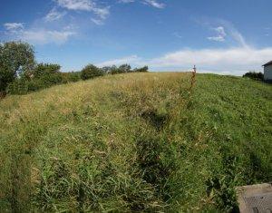 Teren Dezmir Zona Linistita cu Priveliste Frumoasa 1500 mp