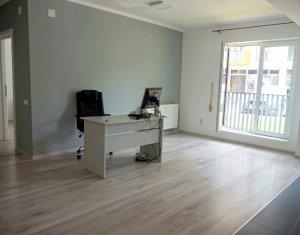 Vanzare apartament cu 2 camere in Floresti, finisat modern, strada Eroilor