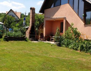 Casa finisata la pret de duplex, teren frumos de 500 mp