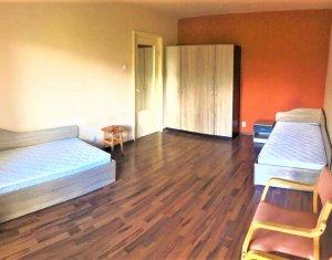 Exclusivitate! Apartament 3 camere, etaj 1, decomandat, cartier Intre Lacuri