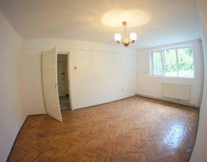 Vanzare Apartament 2 camere, strada Horea, zona Facultatii de Litere