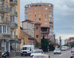 Spatiu comercial 128mp strada principala Marasti zona Farmec disponibil 1 august