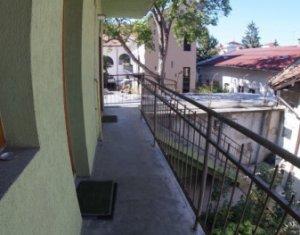 Apartament de 2 camere pe 2 niveluri, ultracentral, 54 mp, mobilat/utilat