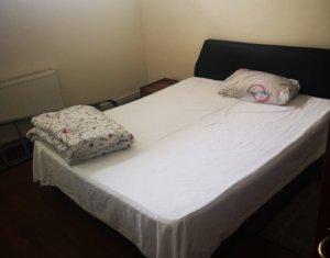 Apartament de inchiriat cu 3 camere in cartierul Plopilor
