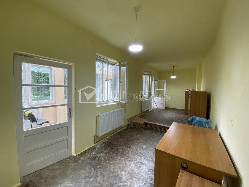 Casa in zona centrala, 3 camere, curte, strada Clinicilor