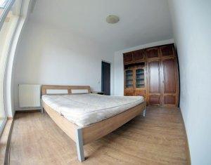 Apartament decomandat zona linistita de, 56mp, parcare cu C.F. Floresti