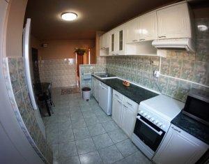 Apartament luminos si primitor, 3 camere decomandate, mobilier cerere, zona UMF