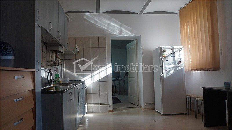 Apartament cu 1 camera decomandat, Zona SEMICENTRALA