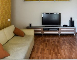 Inchiriere apartament cu 3 camere, 2 bai, balcon, optional garaj, modern Central