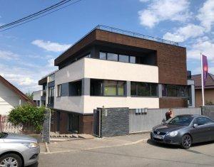 Inchiriere imobil de birouri in Andrei Muresanu, 380 mp, terasa, parcare