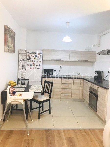 Vanzare apartament 2 camere, etaj intermediar, complexul Junior Residence